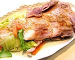 美味酢でゴマドレかけ蒸し鶏